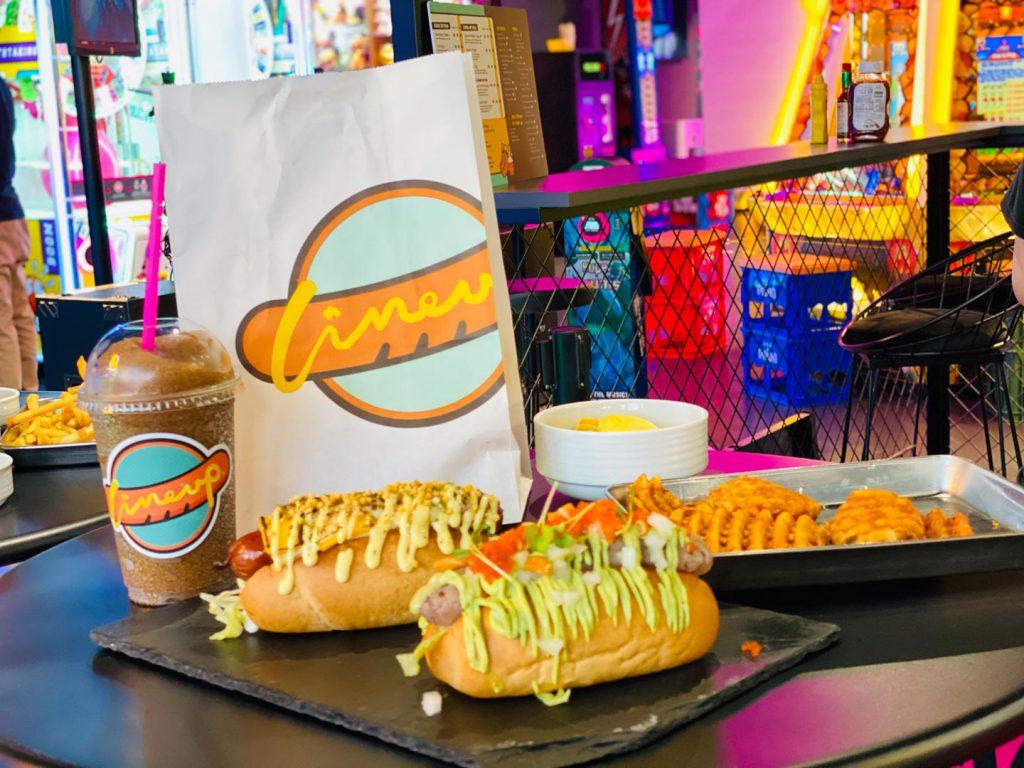 hotdog-line up-荔枝角